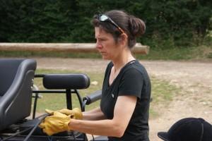 Alors voilà la tête que je fais lorsque je suis concentrée ! Là c'était juste avant de monter en voiture à l'entraînement.